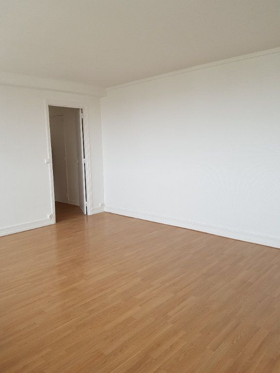Appartement à louer 3 69.36m2 à Antony vignette-2
