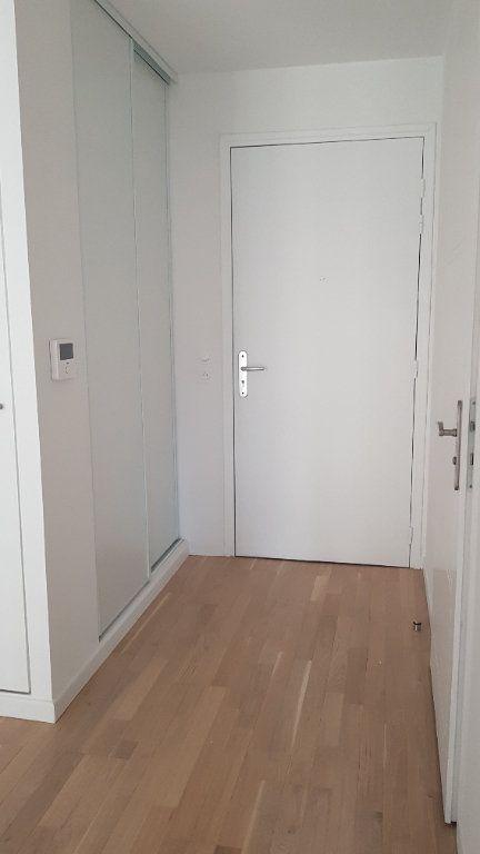 Appartement à louer 2 44.3m2 à Clamart vignette-3