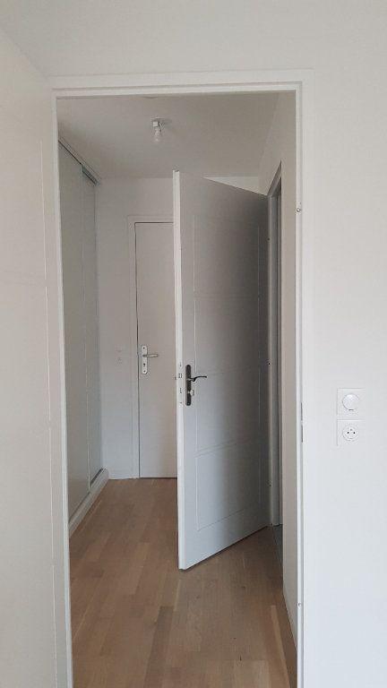 Appartement à louer 2 44.3m2 à Clamart vignette-4