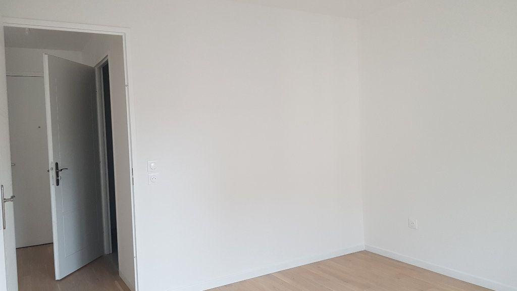 Appartement à louer 2 44.3m2 à Clamart vignette-5