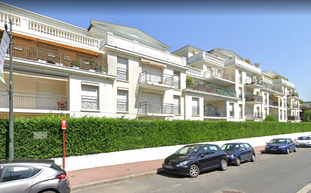 Appartement à louer 1 31.82m2 à Le Plessis-Robinson vignette-1