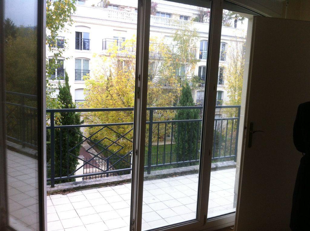 Appartement à louer 1 31.82m2 à Le Plessis-Robinson vignette-2