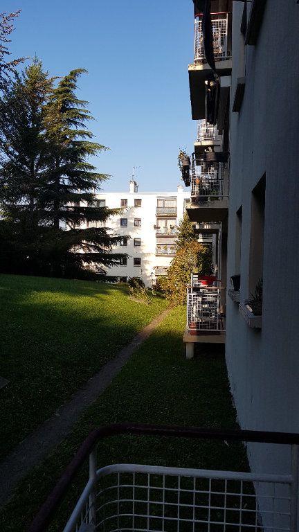 Appartement à louer 3 50.75m2 à L'Haÿ-les-Roses vignette-4