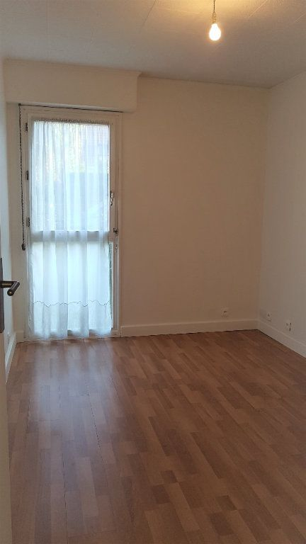 Appartement à louer 3 50.75m2 à L'Haÿ-les-Roses vignette-6