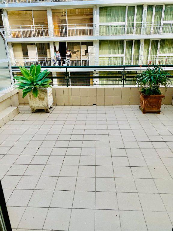 Appartement à vendre 2 76.1m2 à Nice vignette-3