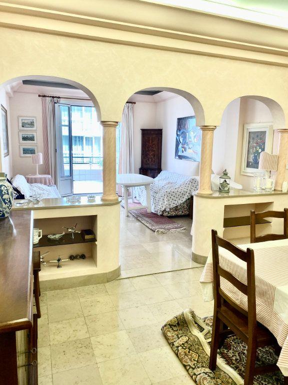 Appartement à vendre 2 76.1m2 à Nice vignette-5