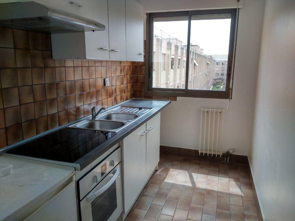 Appartement à louer 2 67.46m2 à Nice vignette-2
