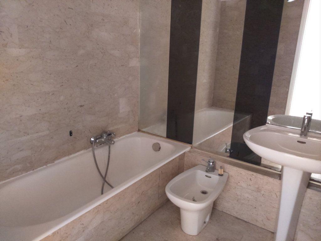 Appartement à louer 2 67.46m2 à Nice vignette-3