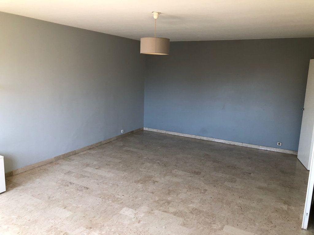 Appartement à louer 2 67.46m2 à Nice vignette-5