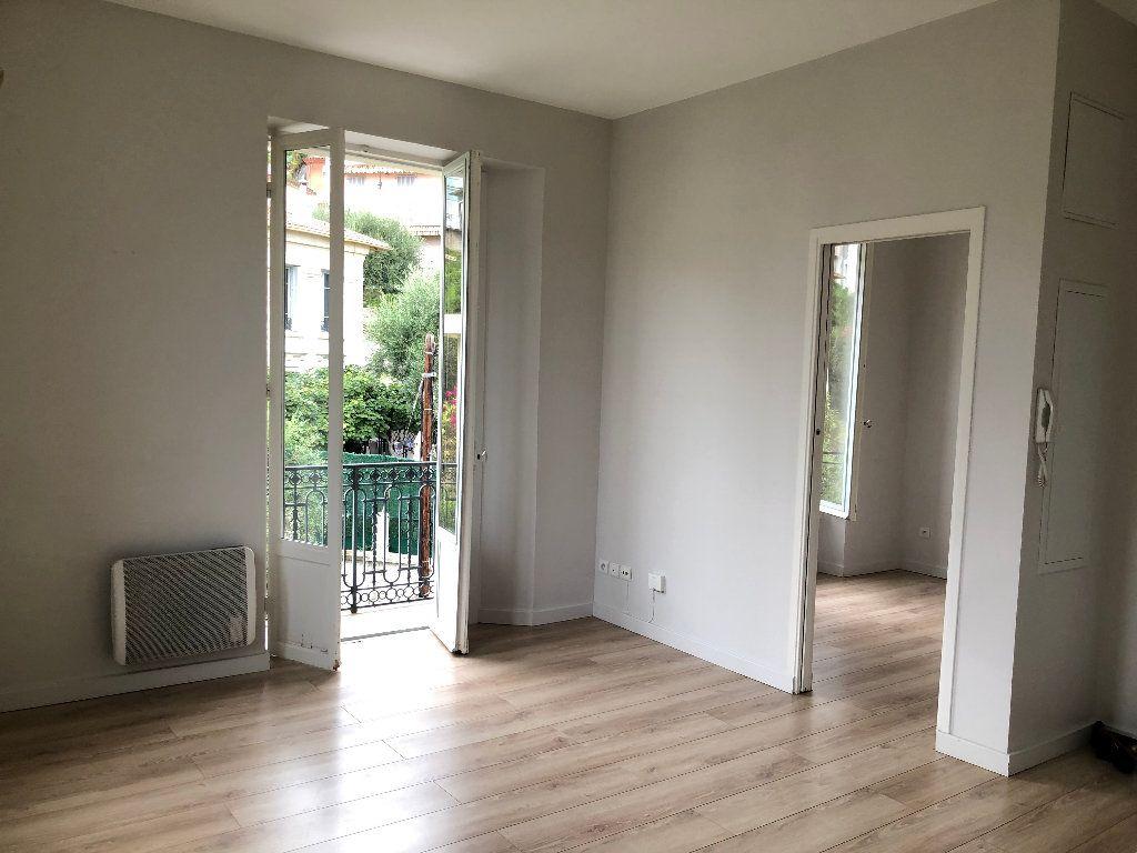 Appartement à louer 2 24.75m2 à Nice vignette-1