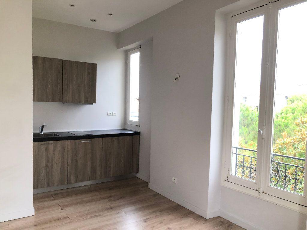 Appartement à louer 2 24.75m2 à Nice vignette-2