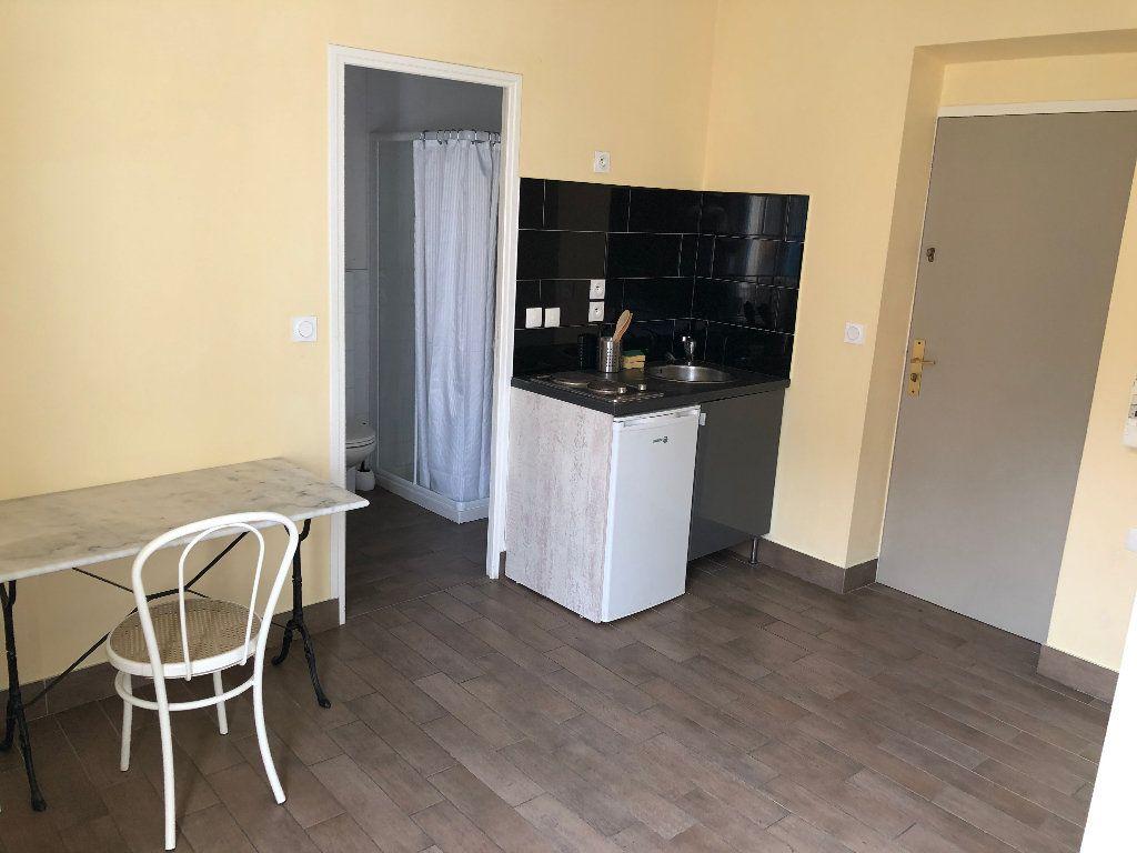 Appartement à louer 1 17.58m2 à Nice vignette-2