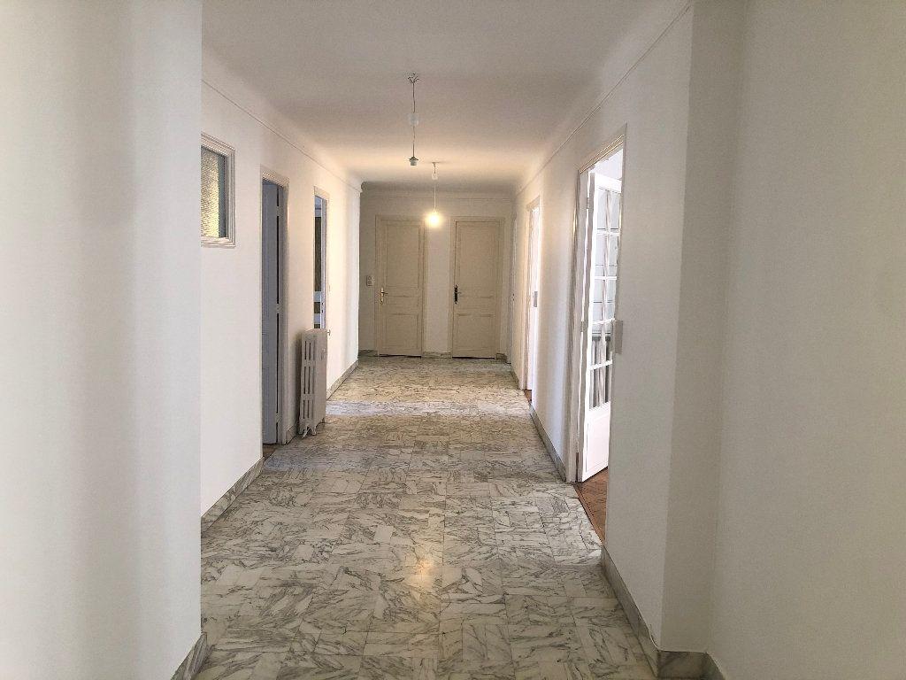 Appartement à louer 6 178m2 à Nice vignette-1