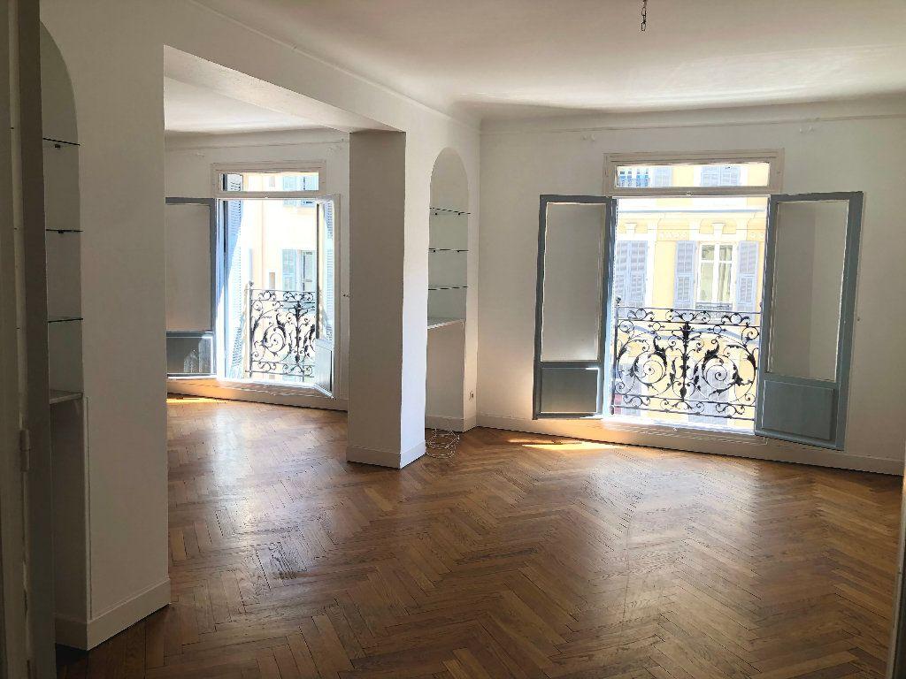 Appartement à louer 6 178m2 à Nice vignette-2