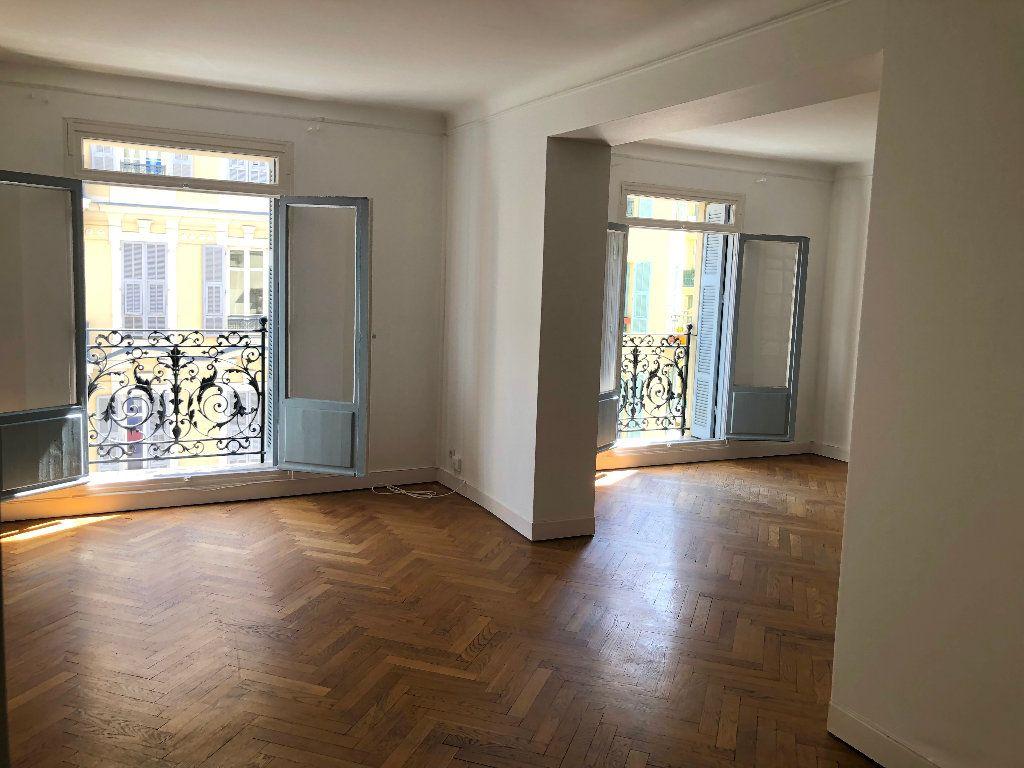 Appartement à louer 6 178m2 à Nice vignette-3