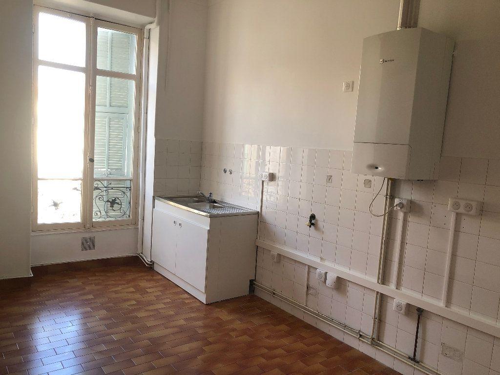 Appartement à louer 4 113.33m2 à Nice vignette-4