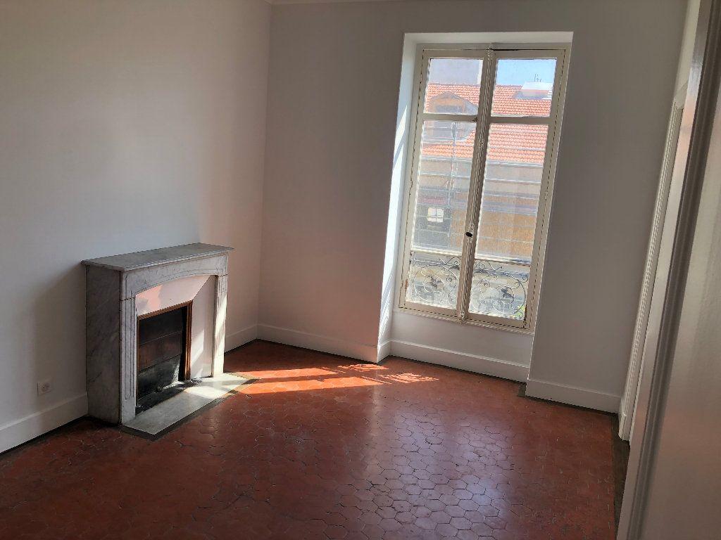 Appartement à louer 4 113.33m2 à Nice vignette-7