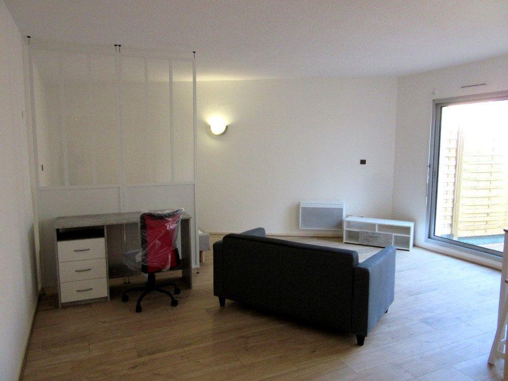 Appartement à louer 1 40m2 à Tarbes vignette-5