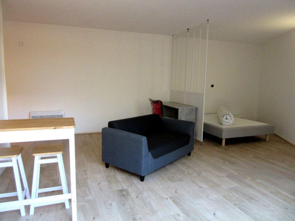 Appartement à louer 1 40m2 à Tarbes vignette-9