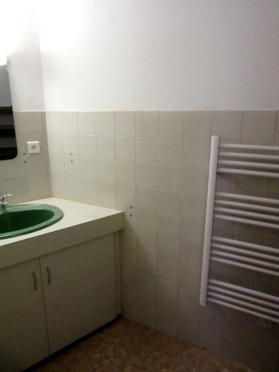 Appartement à louer 1 40m2 à Tarbes vignette-11