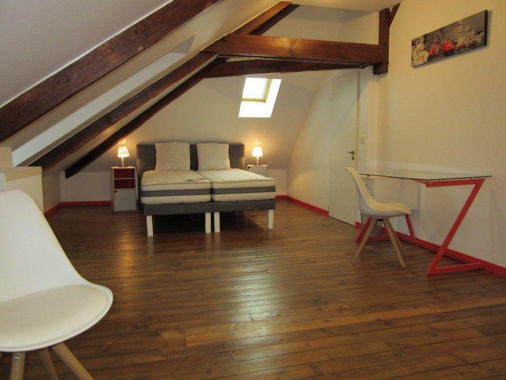 Appartement à louer 1 25m2 à Vic-en-Bigorre vignette-1