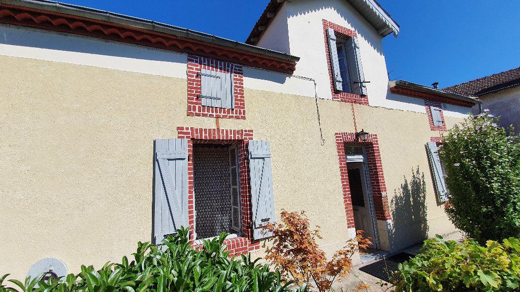 Maison à vendre 4 135m2 à Villecomtal-sur-Arros vignette-1