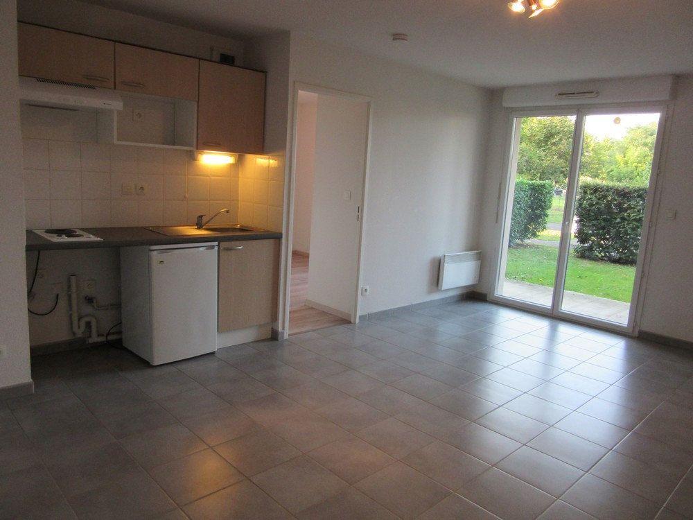 Appartement à vendre 2 40m2 à Vic-en-Bigorre vignette-2