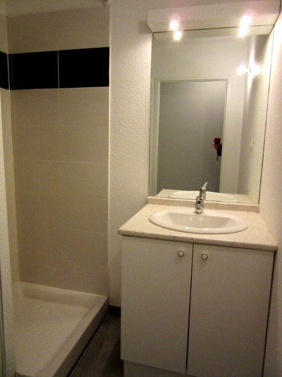 Appartement à vendre 2 40m2 à Vic-en-Bigorre vignette-3