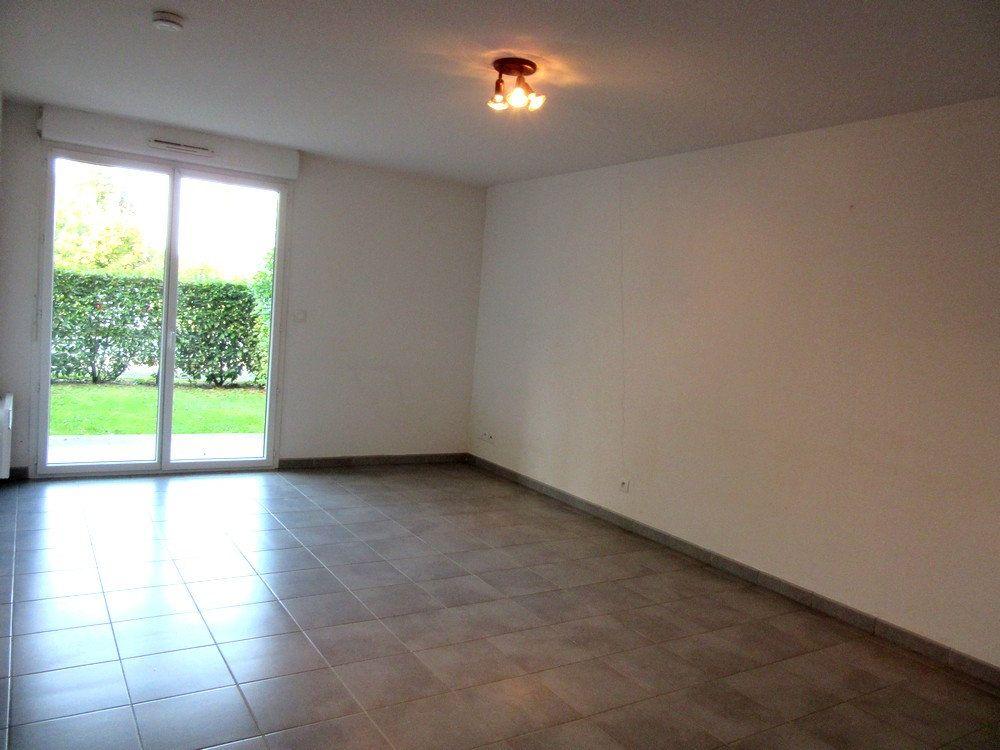 Appartement à vendre 2 40m2 à Vic-en-Bigorre vignette-9