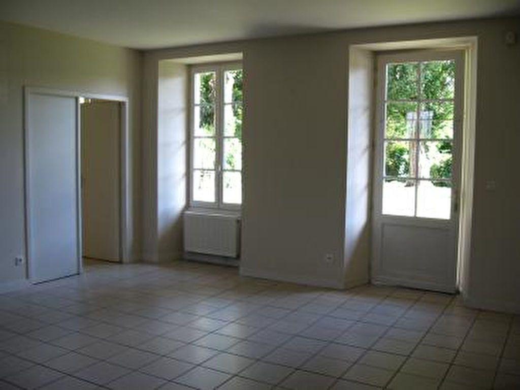 Appartement à louer 2 72m2 à Vic-en-Bigorre vignette-4