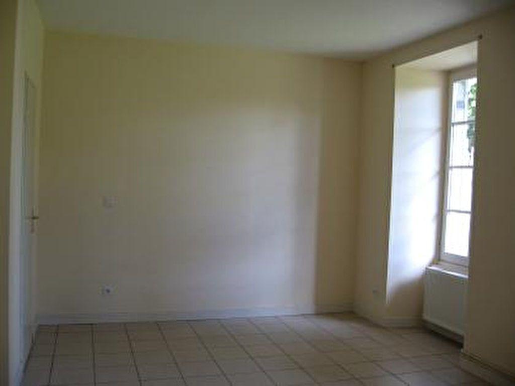 Appartement à louer 2 72m2 à Vic-en-Bigorre vignette-5