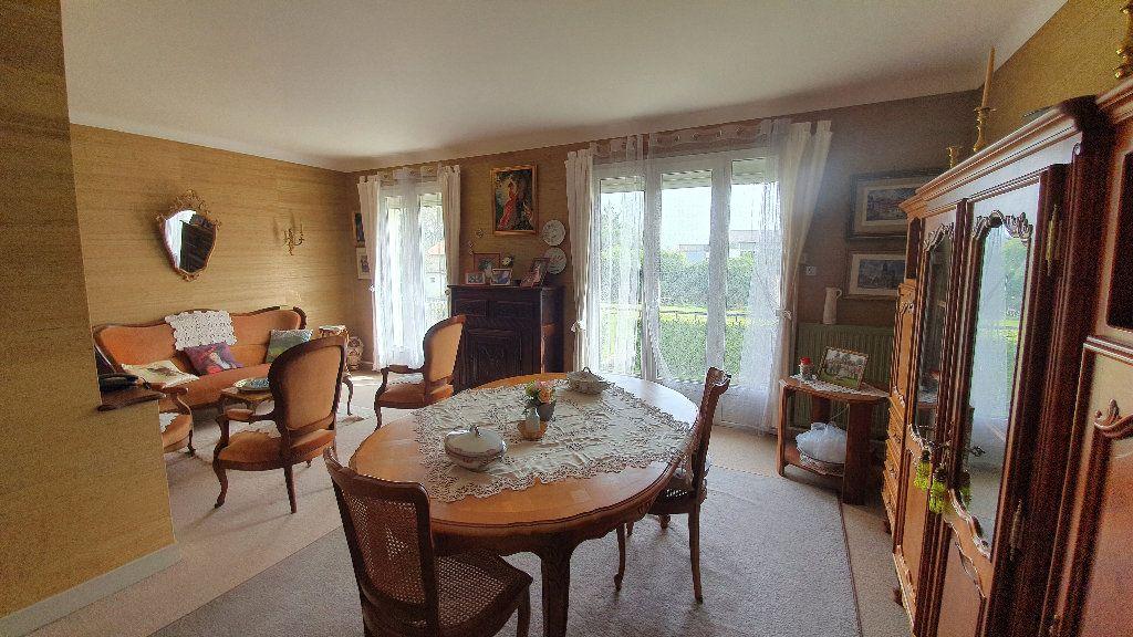 Maison à vendre 7 135m2 à Vic-en-Bigorre vignette-3