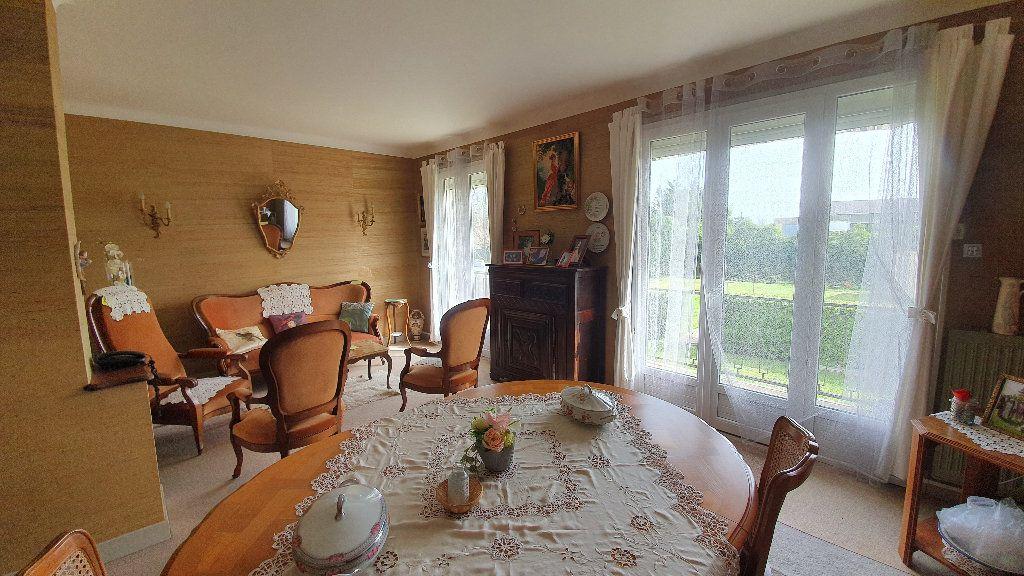 Maison à vendre 7 135m2 à Vic-en-Bigorre vignette-5