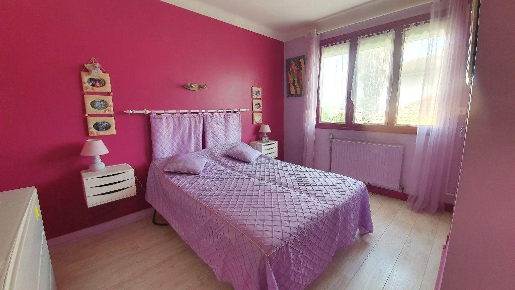 Maison à vendre 7 135m2 à Vic-en-Bigorre vignette-6
