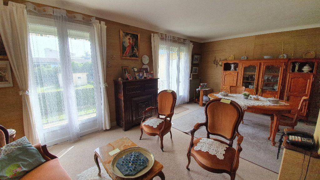 Maison à vendre 7 135m2 à Vic-en-Bigorre vignette-11