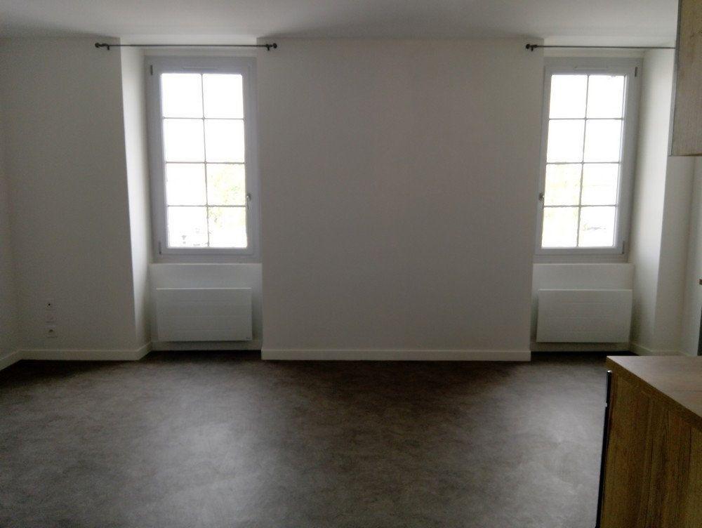 Appartement à louer 2 48m2 à Rabastens-de-Bigorre vignette-2
