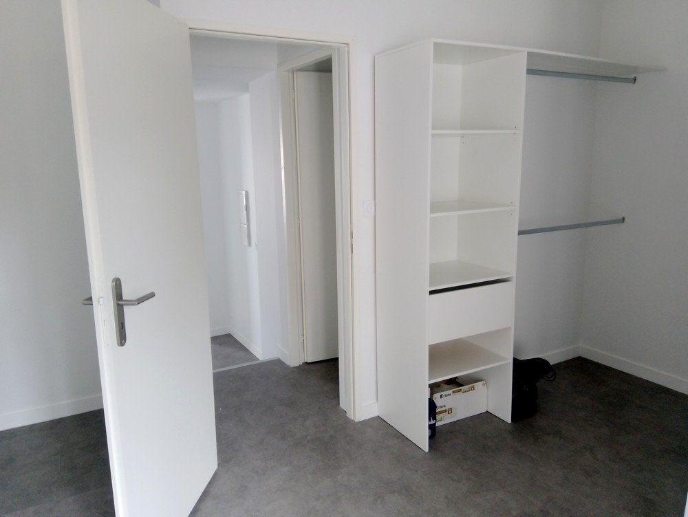 Appartement à louer 2 48m2 à Rabastens-de-Bigorre vignette-3