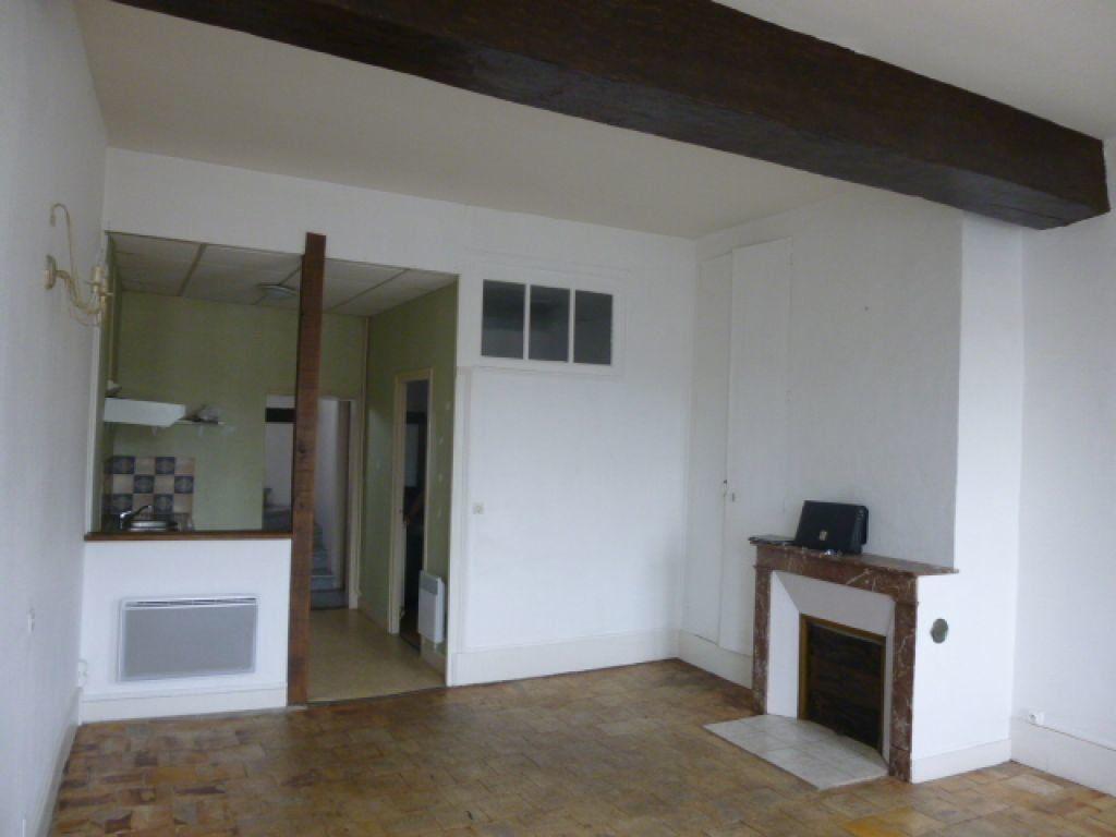 Appartement à louer 4 90m2 à Montoire-sur-le-Loir vignette-1