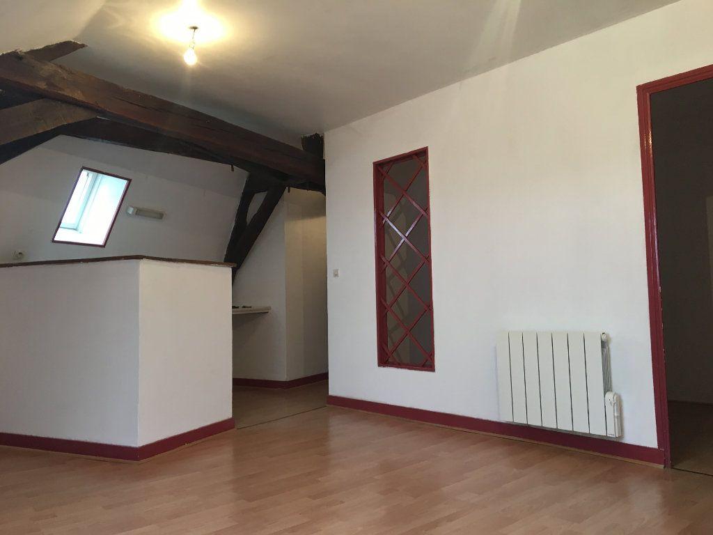 Appartement à louer 3 45.71m2 à Château-Renault vignette-2