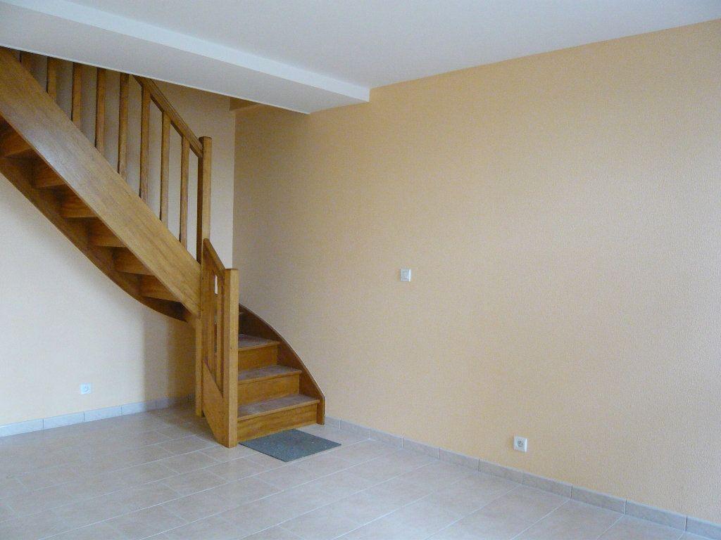 Maison à louer 3 59.2m2 à Crotelles vignette-2