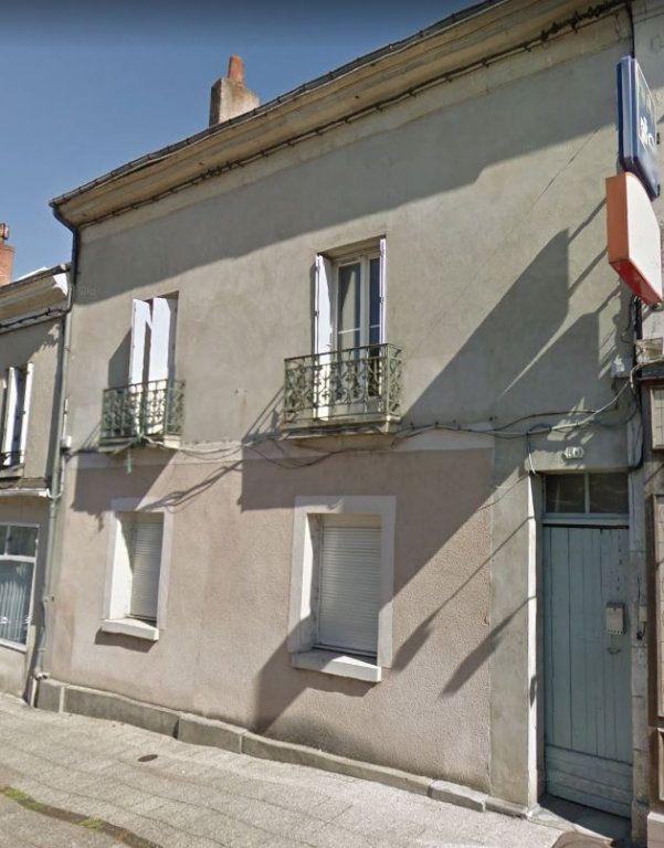 Maison à vendre 8 230m2 à Château-Renault vignette-1