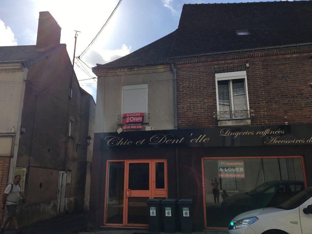 Appartement à louer 2 40m2 à Château-Renault vignette-1