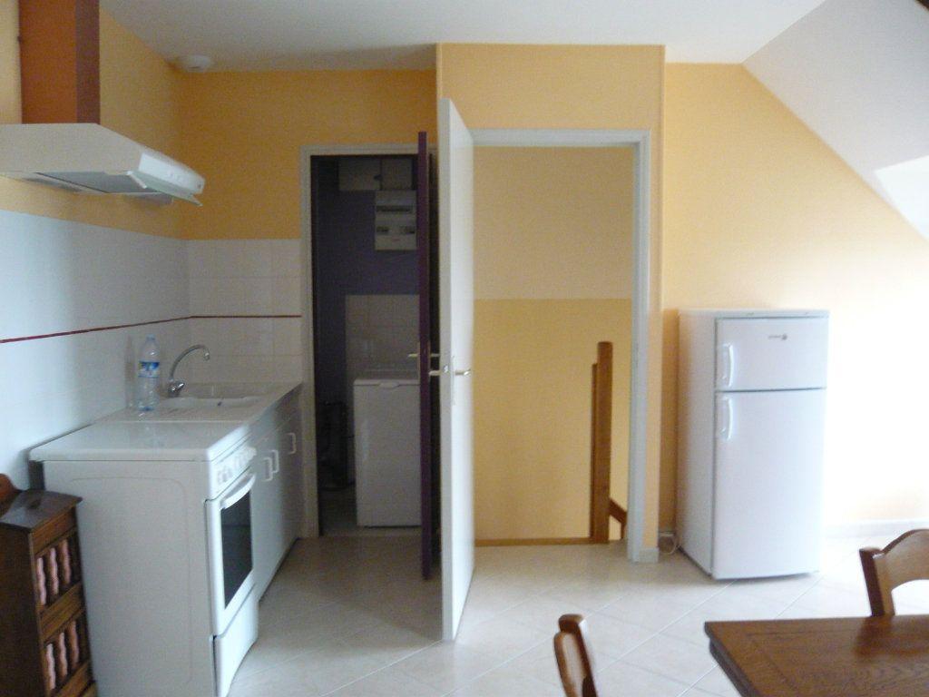 Appartement à louer 3 43.67m2 à Crotelles vignette-2