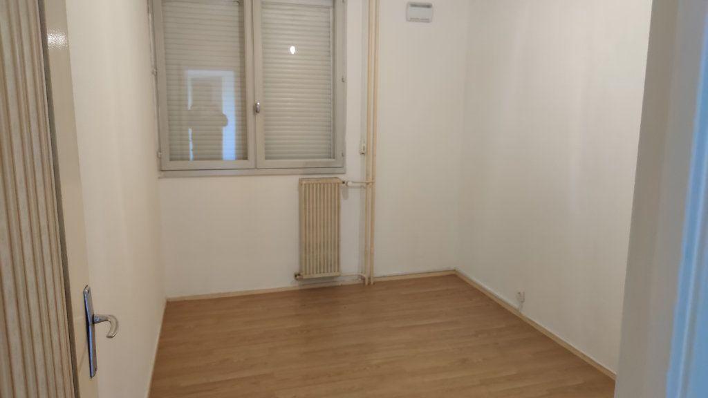 Appartement à vendre 4 74m2 à Saint-Pierre-des-Corps vignette-5