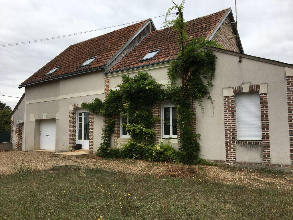 Maison à vendre 8 158.21m2 à Château-Renault vignette-1