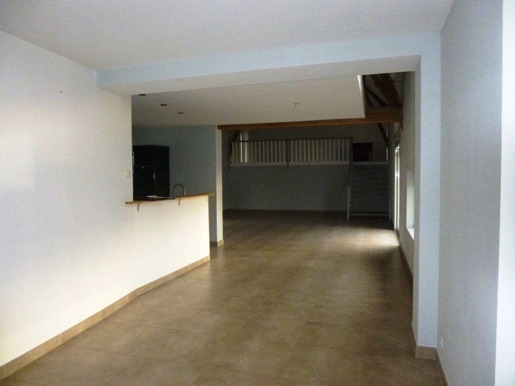 Maison à vendre 8 300m2 à Monthodon vignette-2