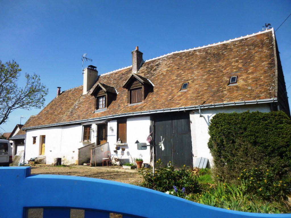 Maison à vendre 5 111m2 à Saunay vignette-1