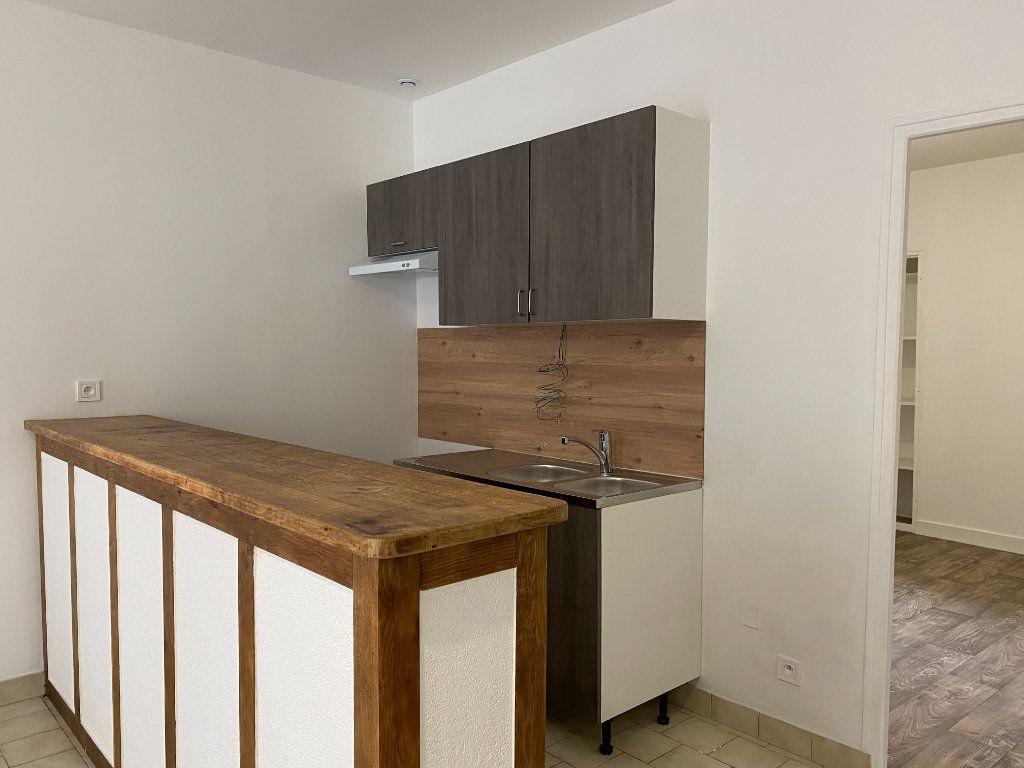 Appartement à louer 2 40m2 à Château-Renault vignette-2