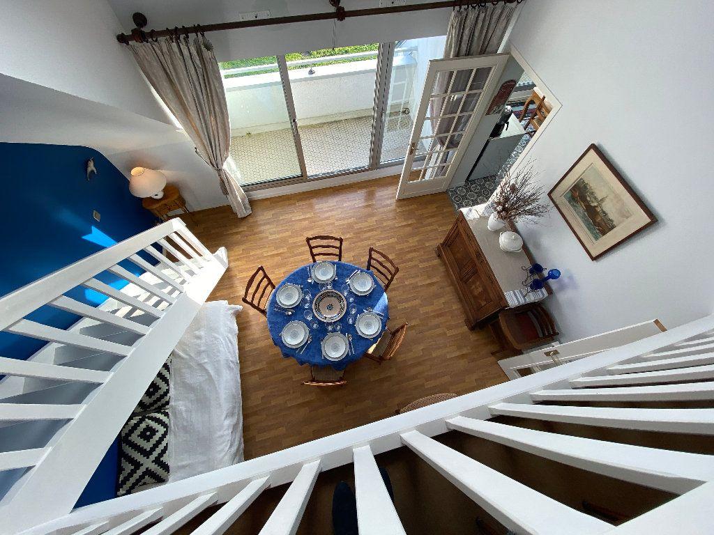 Appartement à louer 5 108m2 à Ploemeur vignette-6