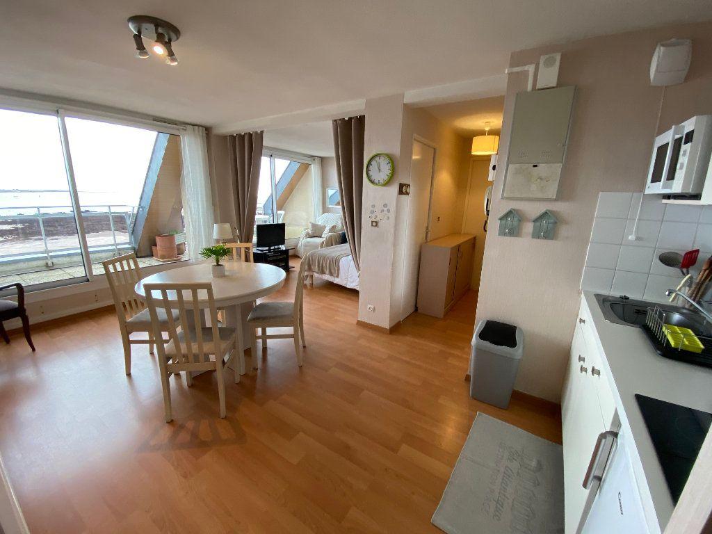 Appartement à louer 2 48m2 à Larmor-Plage vignette-3